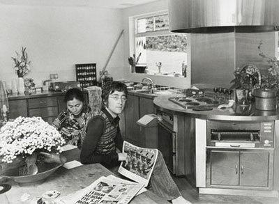 Celebrity Kitchens: Rolling Stones, John Lennon & Elvis Presley ...