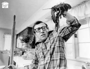 Woody_allen_kitchen_lobster