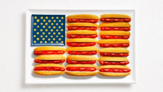 united-states-flag-made-from-food-600x340