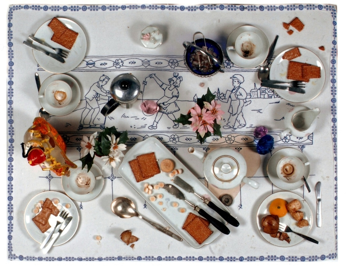 "DANIEL SPOERRI - Table ""pictures"" - Eat-Art"